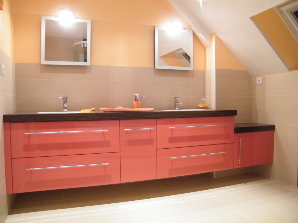 Aménagements Salle de bain sur-mesure, meubles coulissants avec 2 vasques intégrés, Bain de bretagne, Ille et vilaine